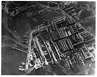 Yokosuka_naval_base_18_July_1945.jpg